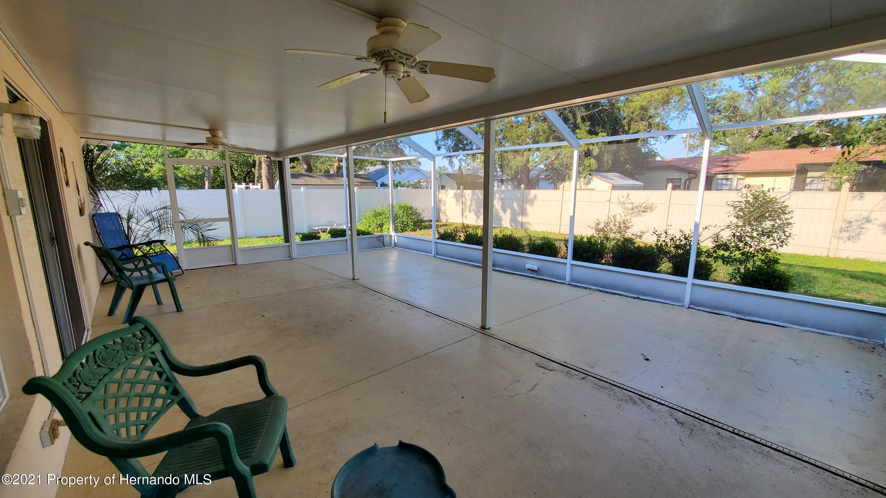 Listing photo id 17 for 2344 Canfield Drive