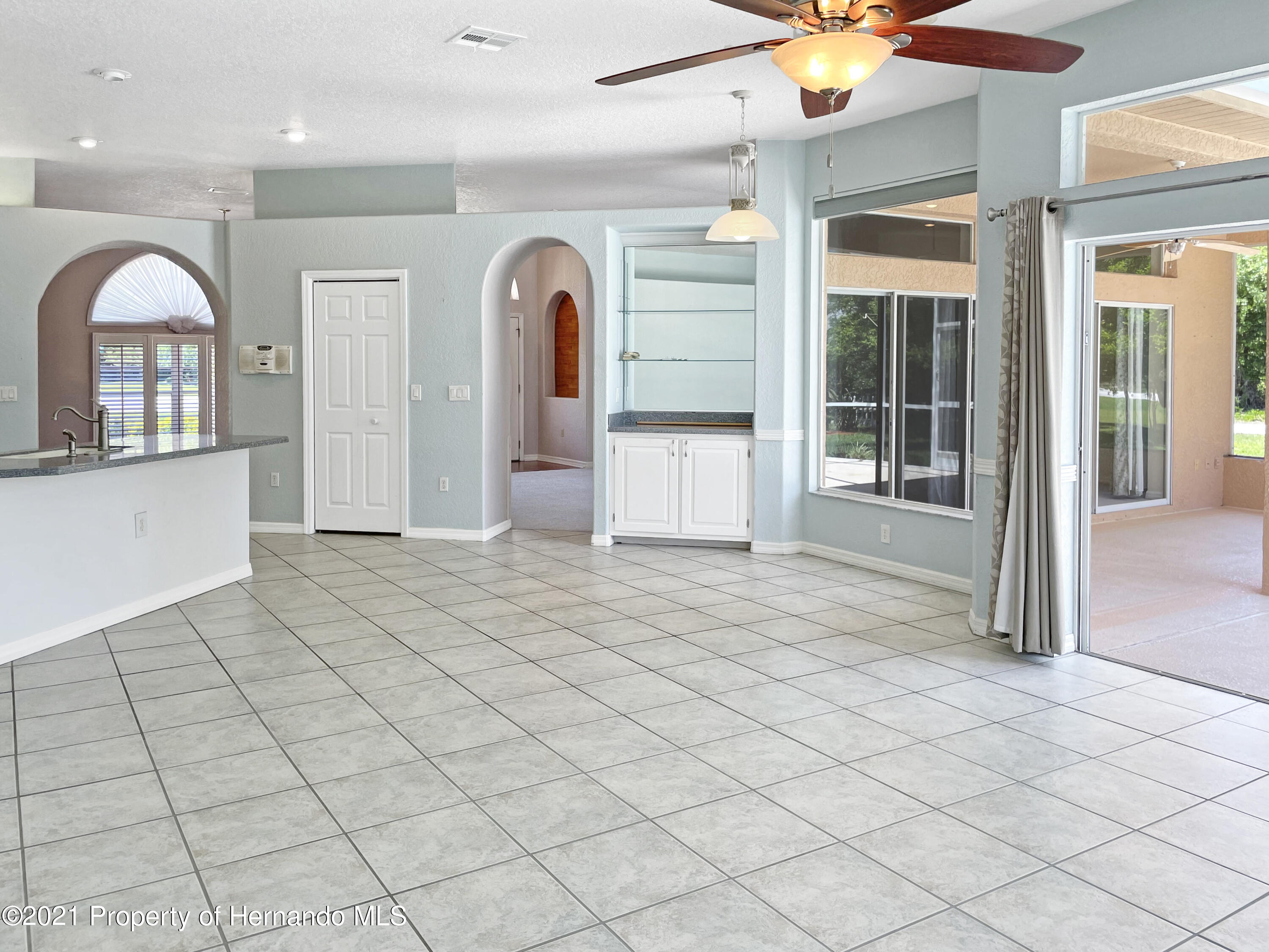 Listing photo id 2 for 7457 Jonquil Place