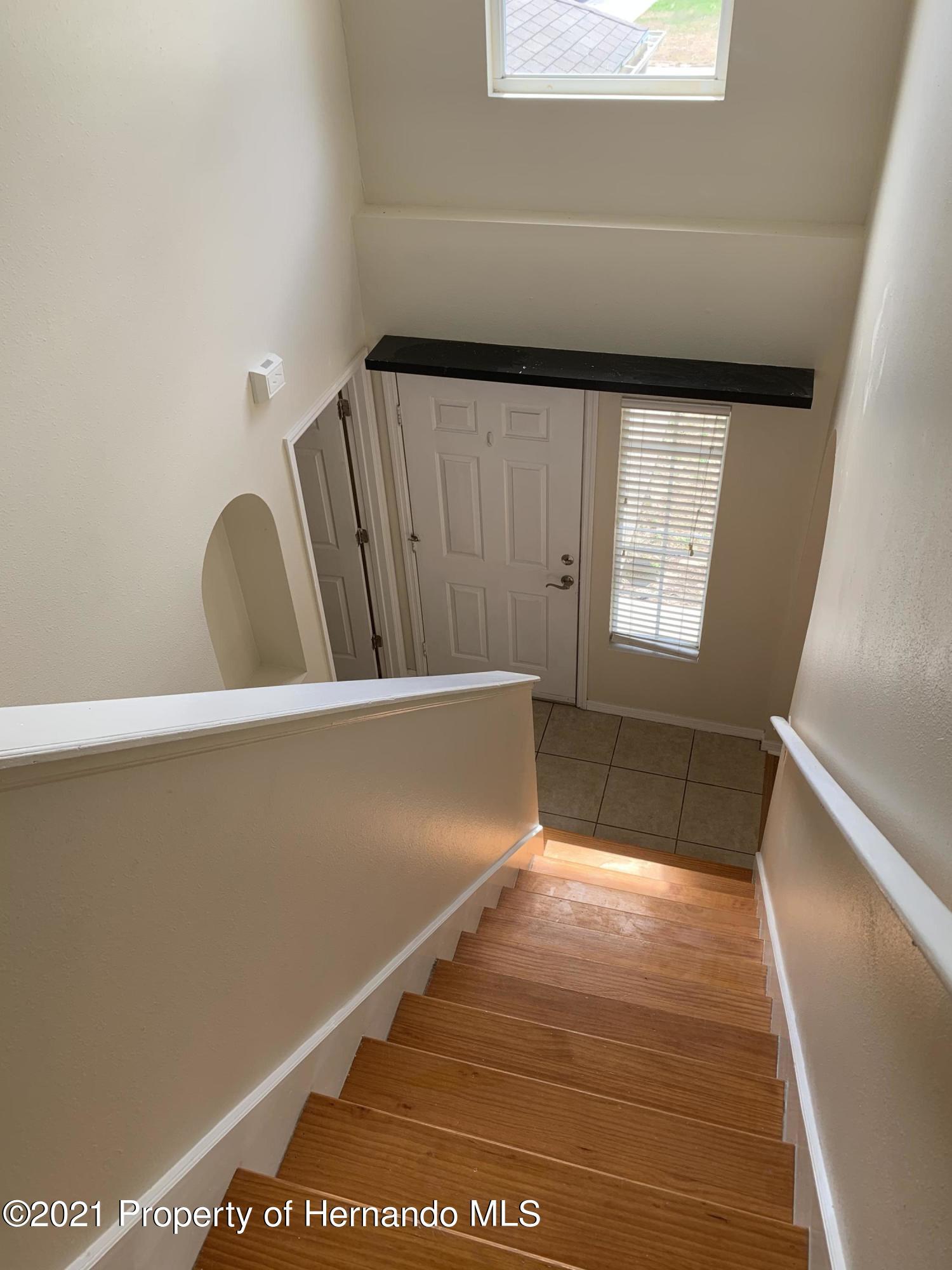 Listing photo id 79 for 4432 Hedgewood Avenue