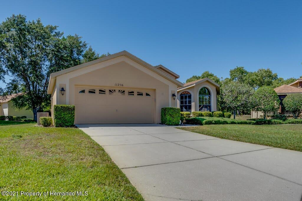 Listing photo id 2 for 11256 Copley Court