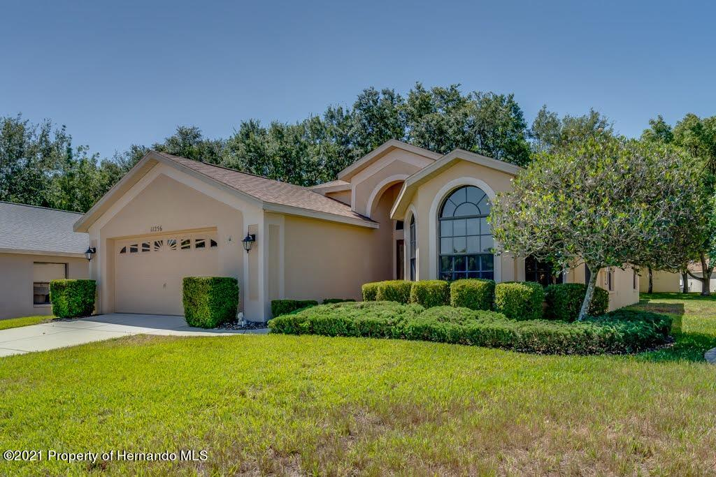 Listing photo id 4 for 11256 Copley Court