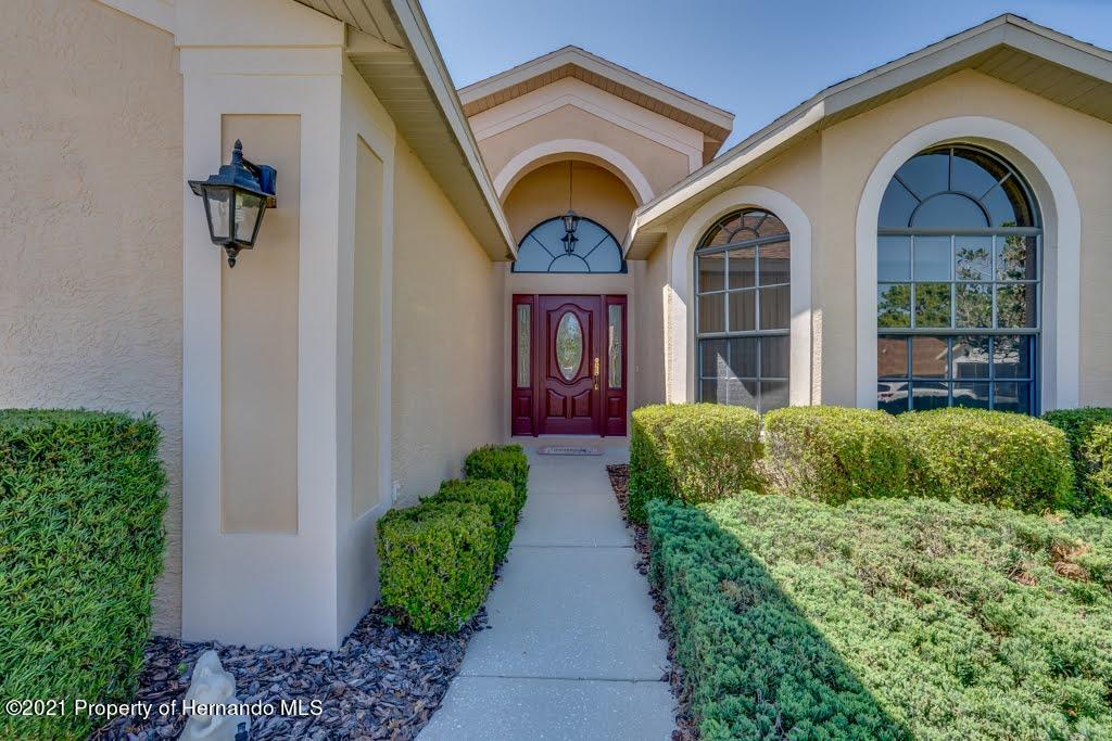 Listing photo id 5 for 11256 Copley Court
