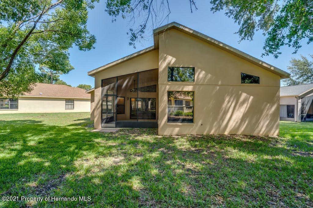 Listing photo id 48 for 11256 Copley Court