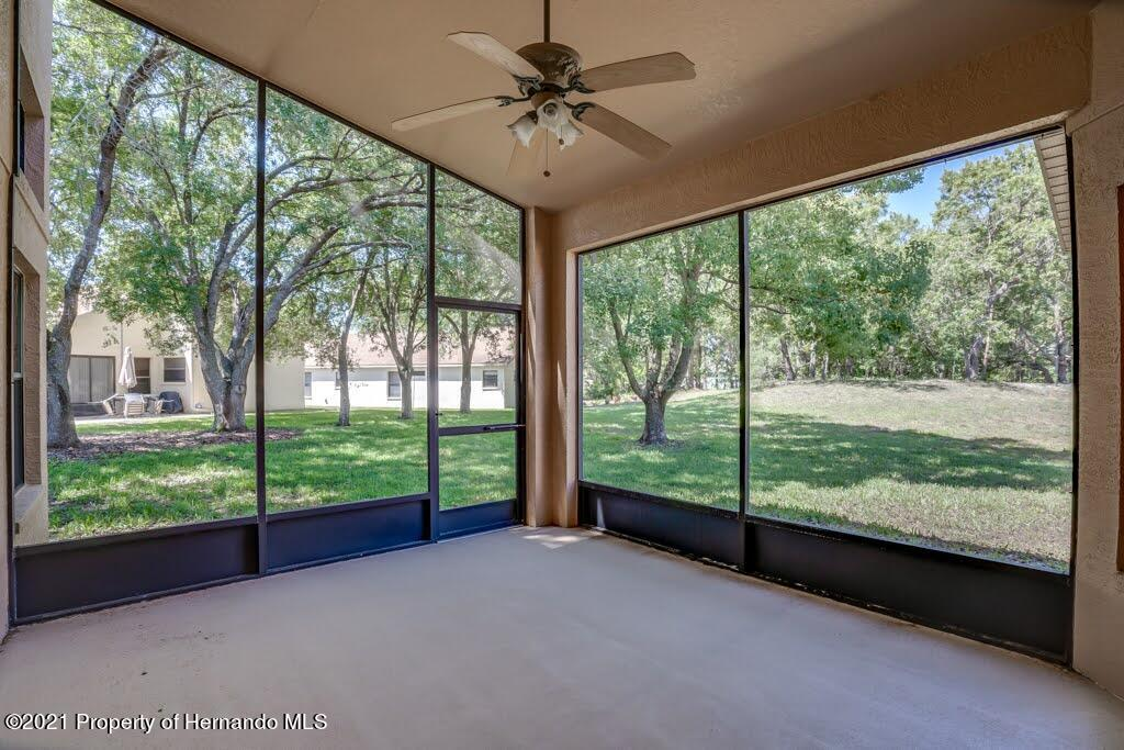 Listing photo id 45 for 11256 Copley Court