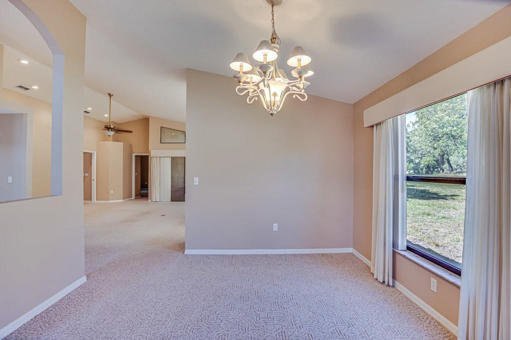Listing photo id 9 for 11256 Copley Court