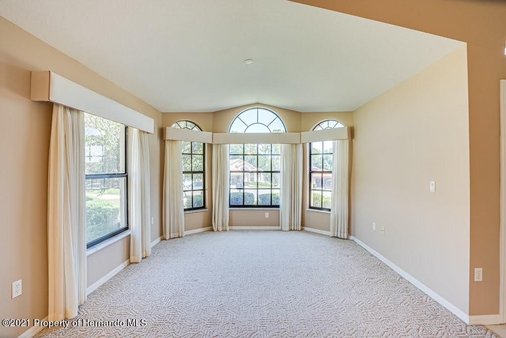 Listing photo id 10 for 11256 Copley Court