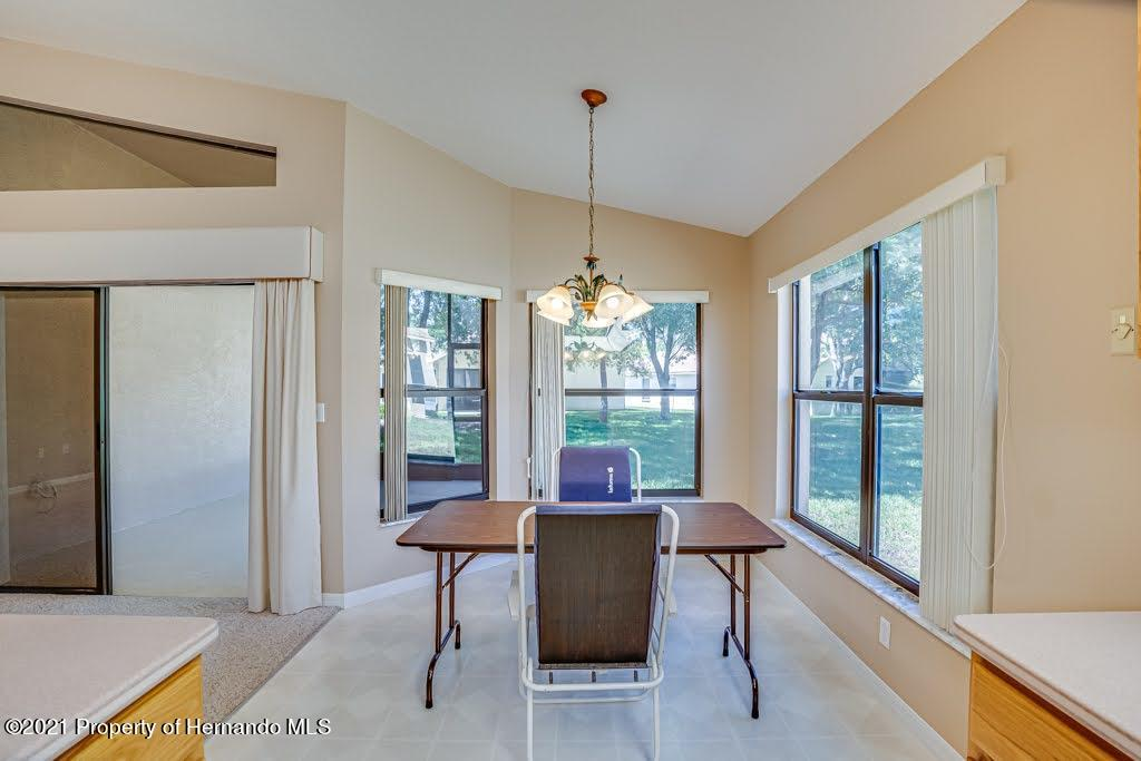 Listing photo id 15 for 11256 Copley Court