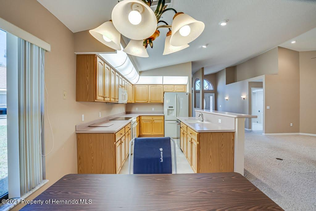 Listing photo id 16 for 11256 Copley Court