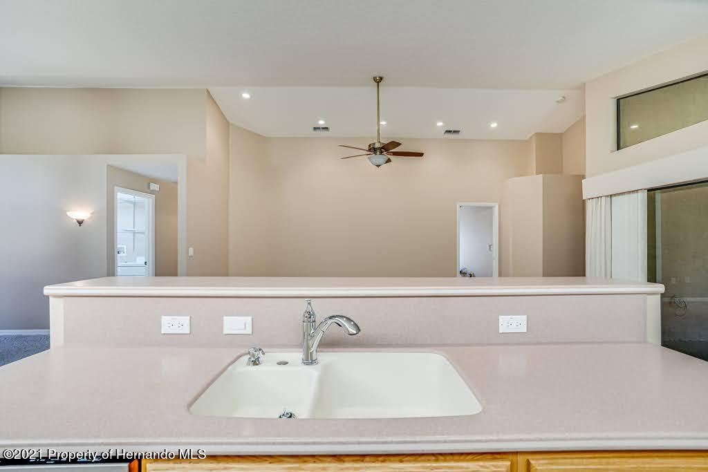 Listing photo id 18 for 11256 Copley Court