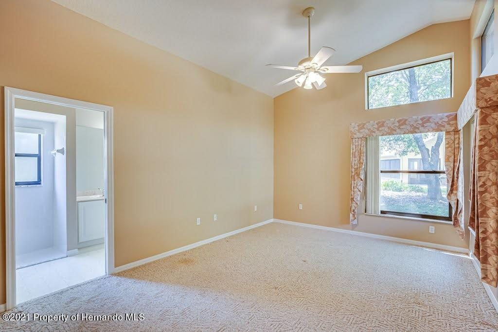 Listing photo id 24 for 11256 Copley Court