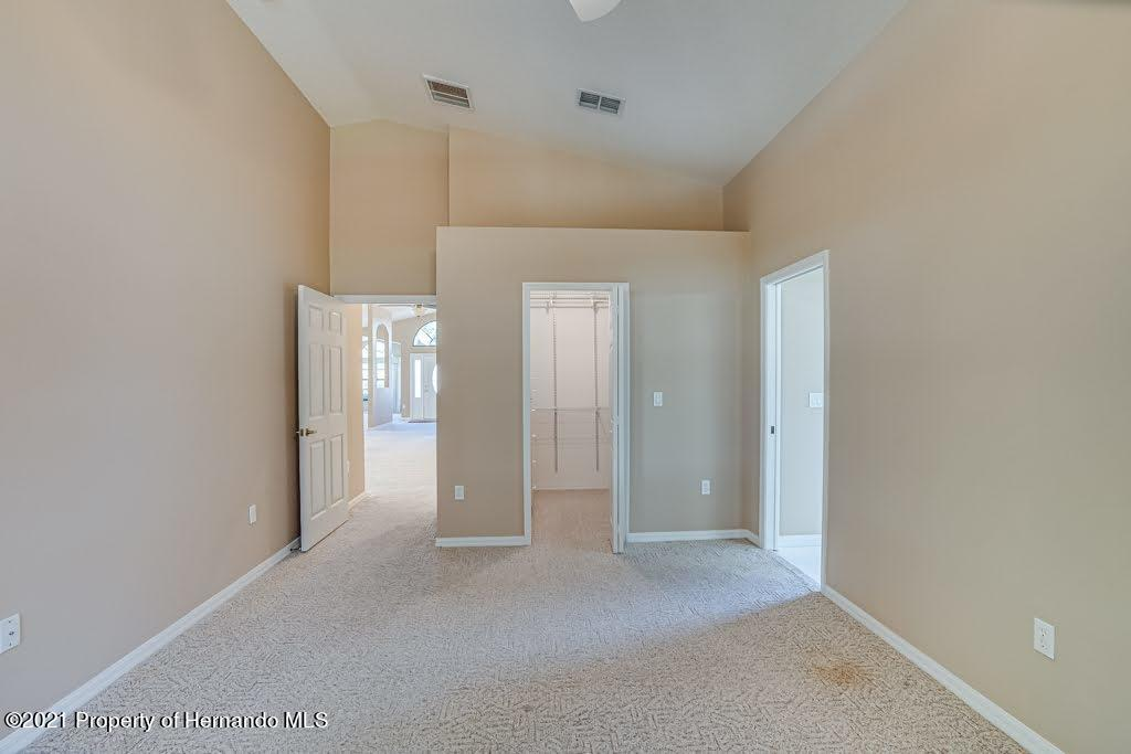 Listing photo id 26 for 11256 Copley Court