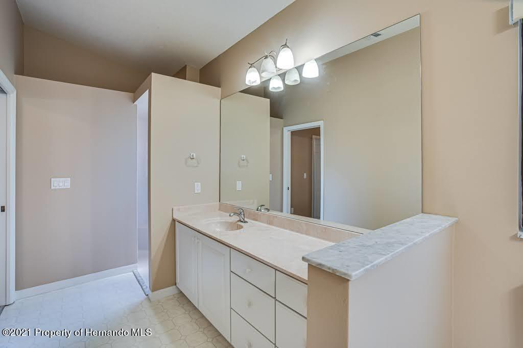 Listing photo id 30 for 11256 Copley Court