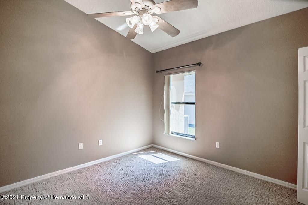 Listing photo id 40 for 11256 Copley Court