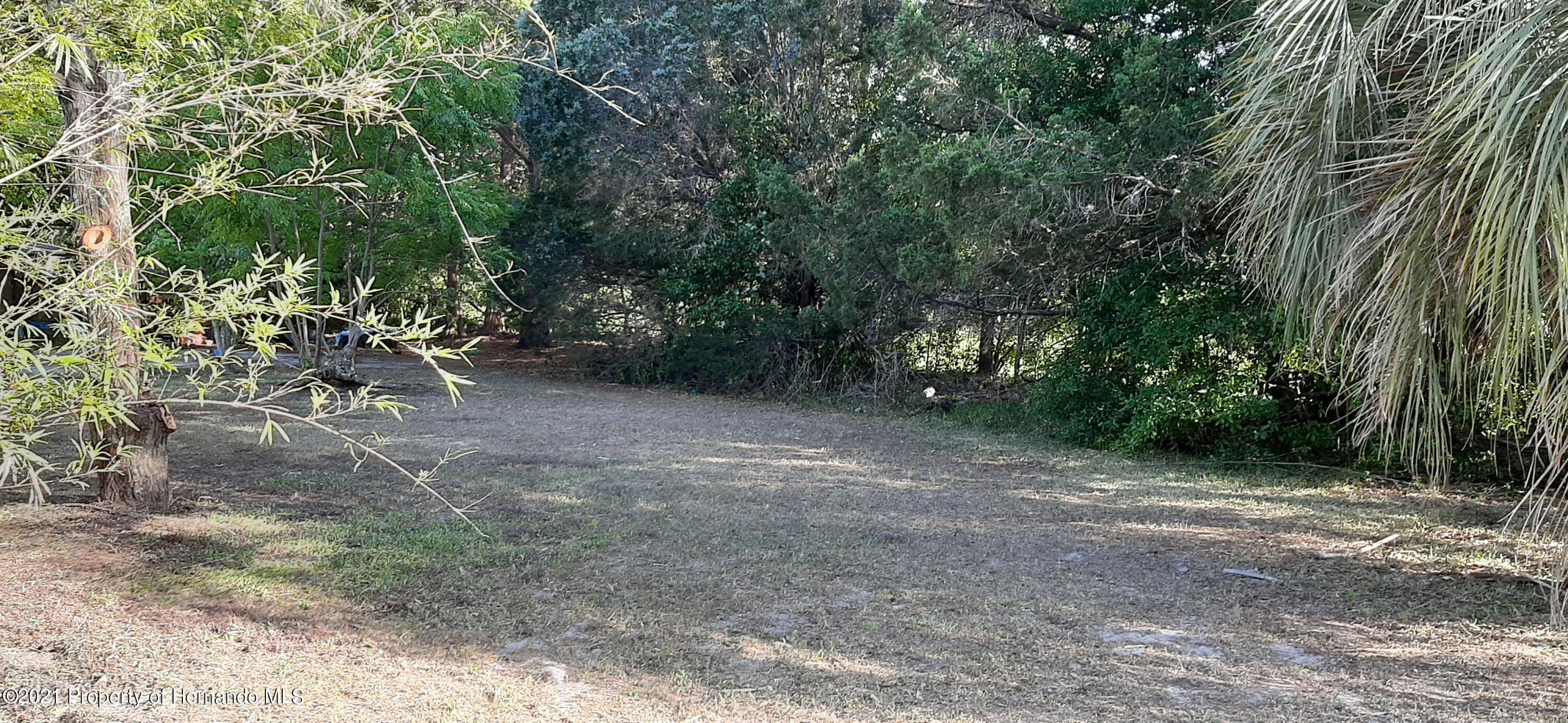 Listing photo id 15 for 9276 Carthage Road
