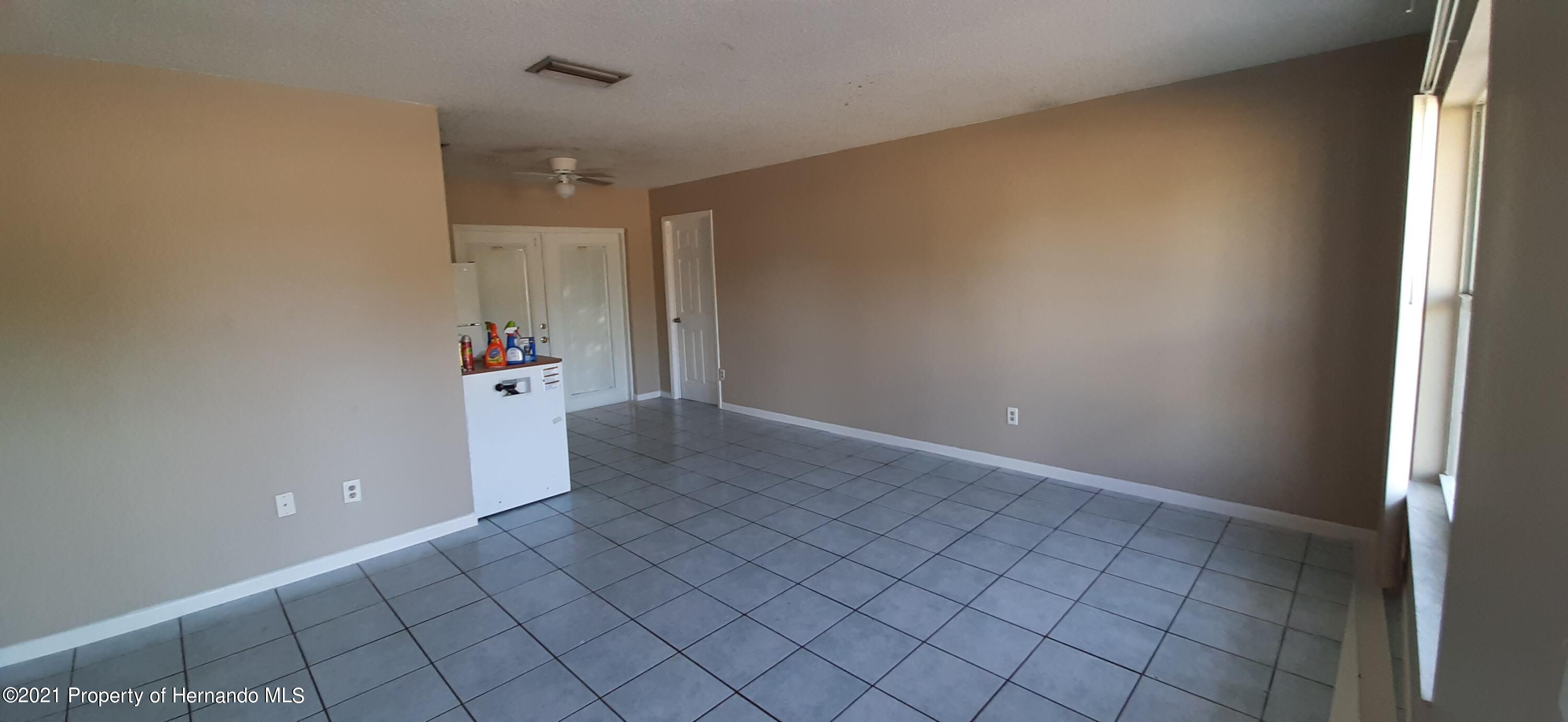 Listing photo id 6 for 9276 Carthage Road
