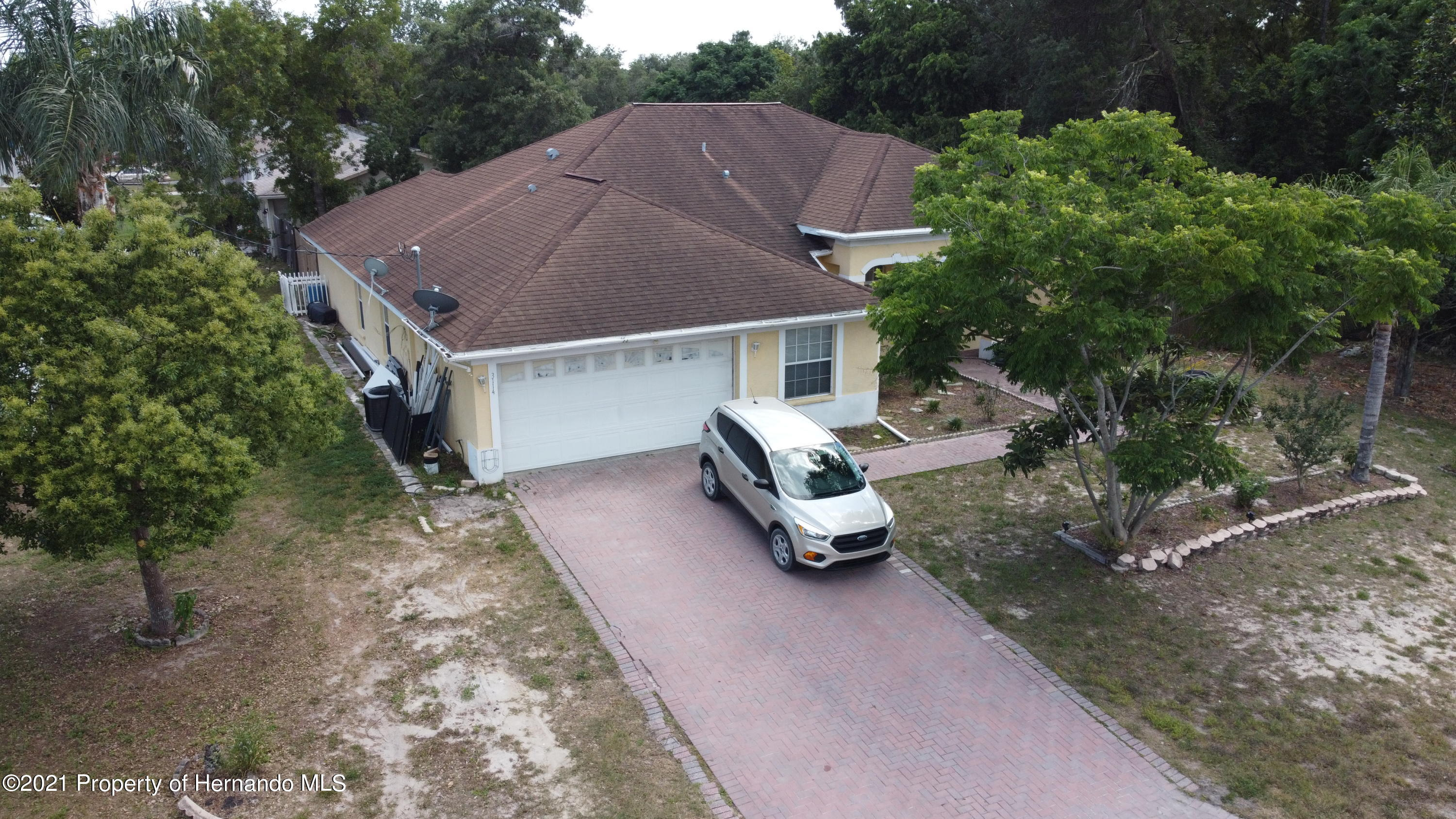 Listing photo id 3 for 3114 Keeport Drive
