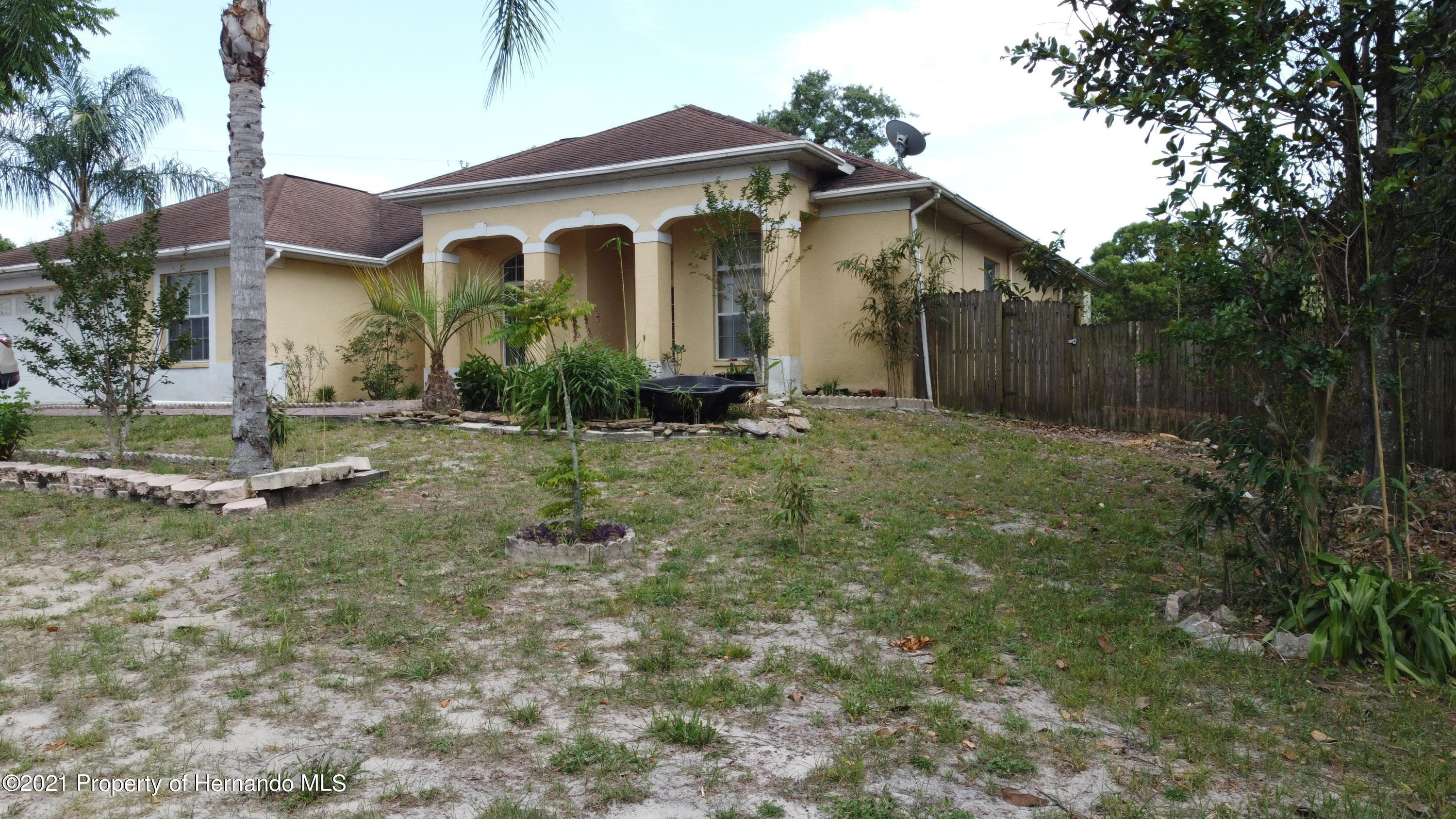 Listing photo id 6 for 3114 Keeport Drive