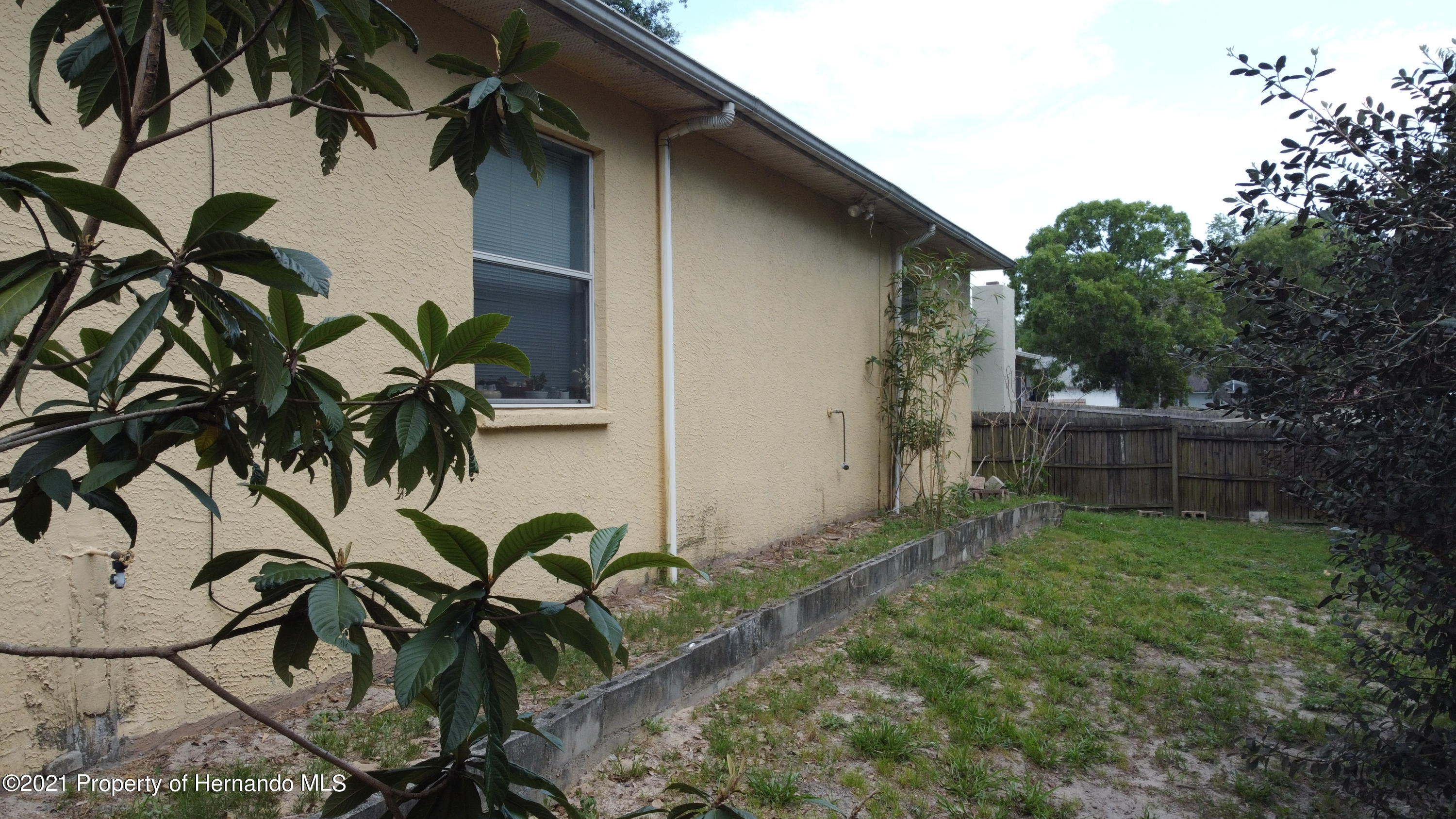 Listing photo id 8 for 3114 Keeport Drive