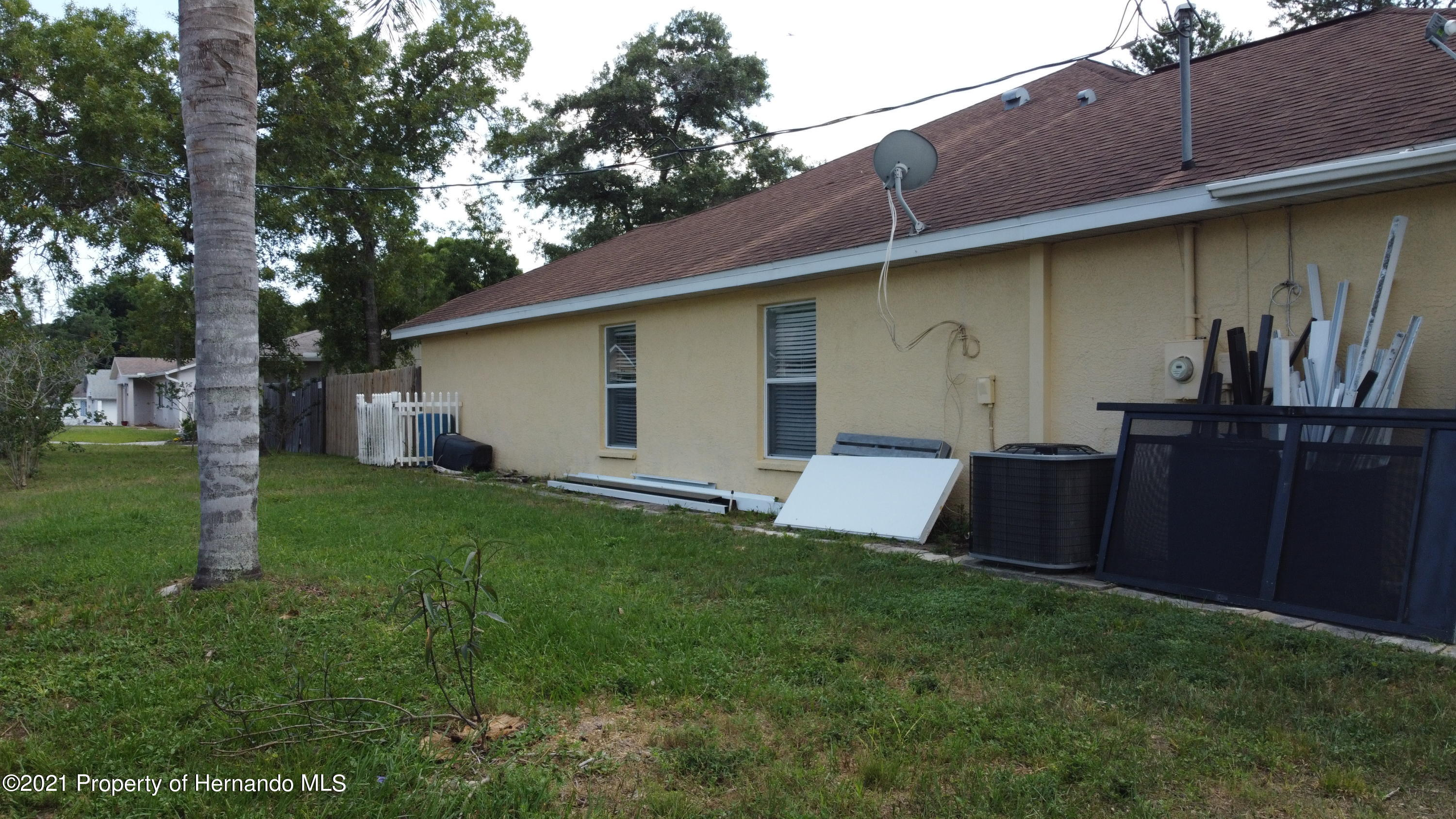 Listing photo id 9 for 3114 Keeport Drive