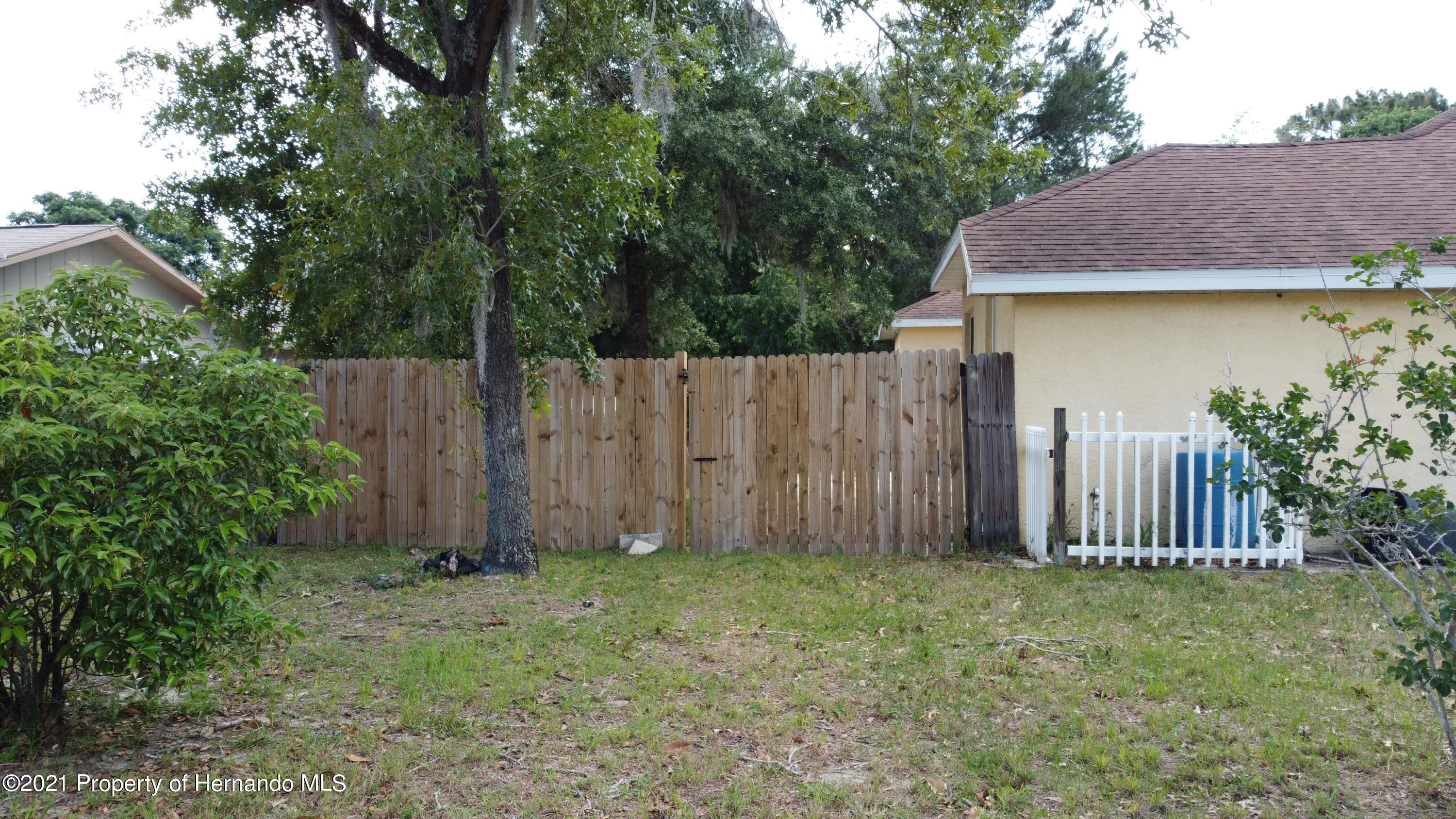 Listing photo id 10 for 3114 Keeport Drive