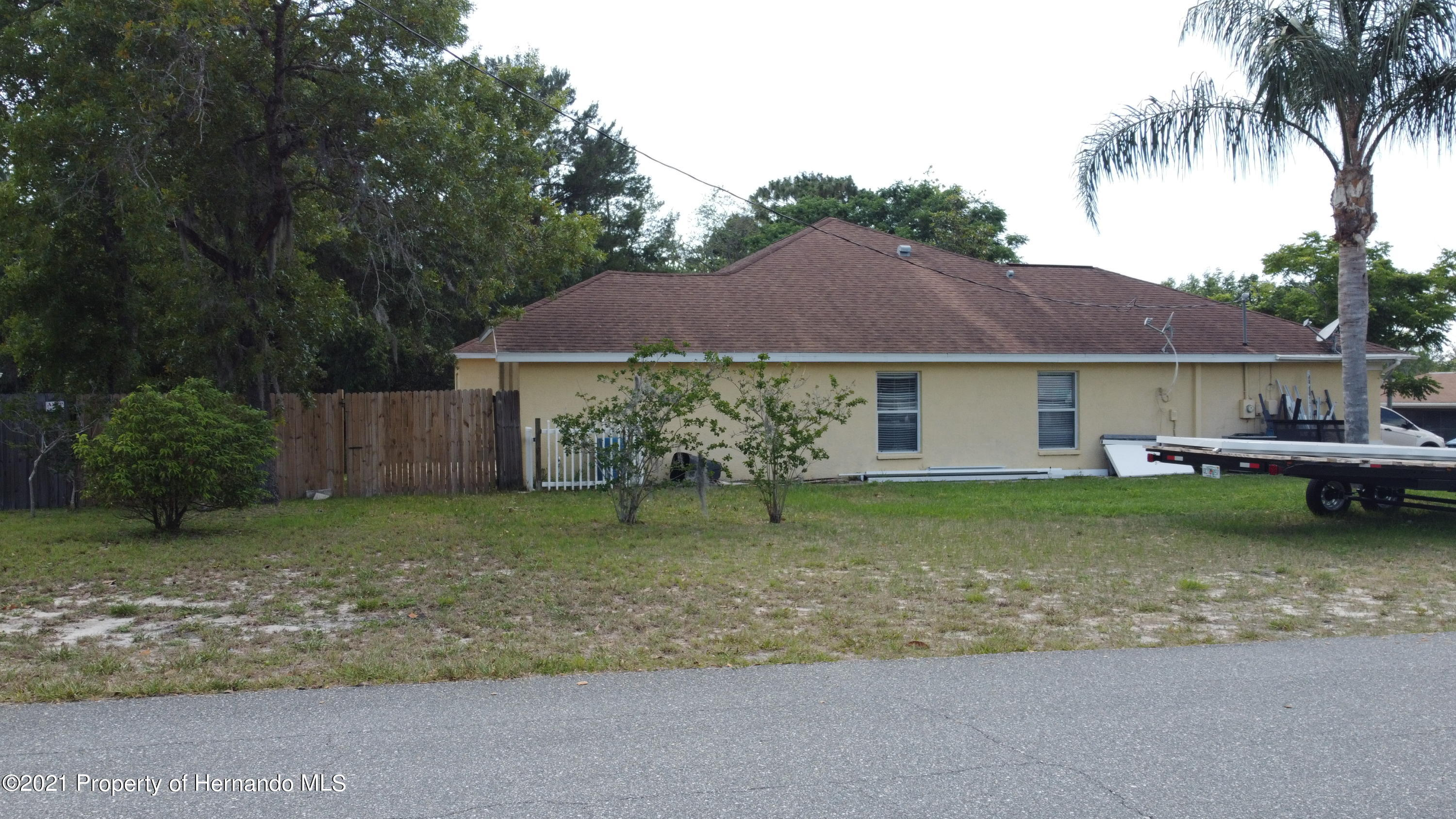 Listing photo id 12 for 3114 Keeport Drive
