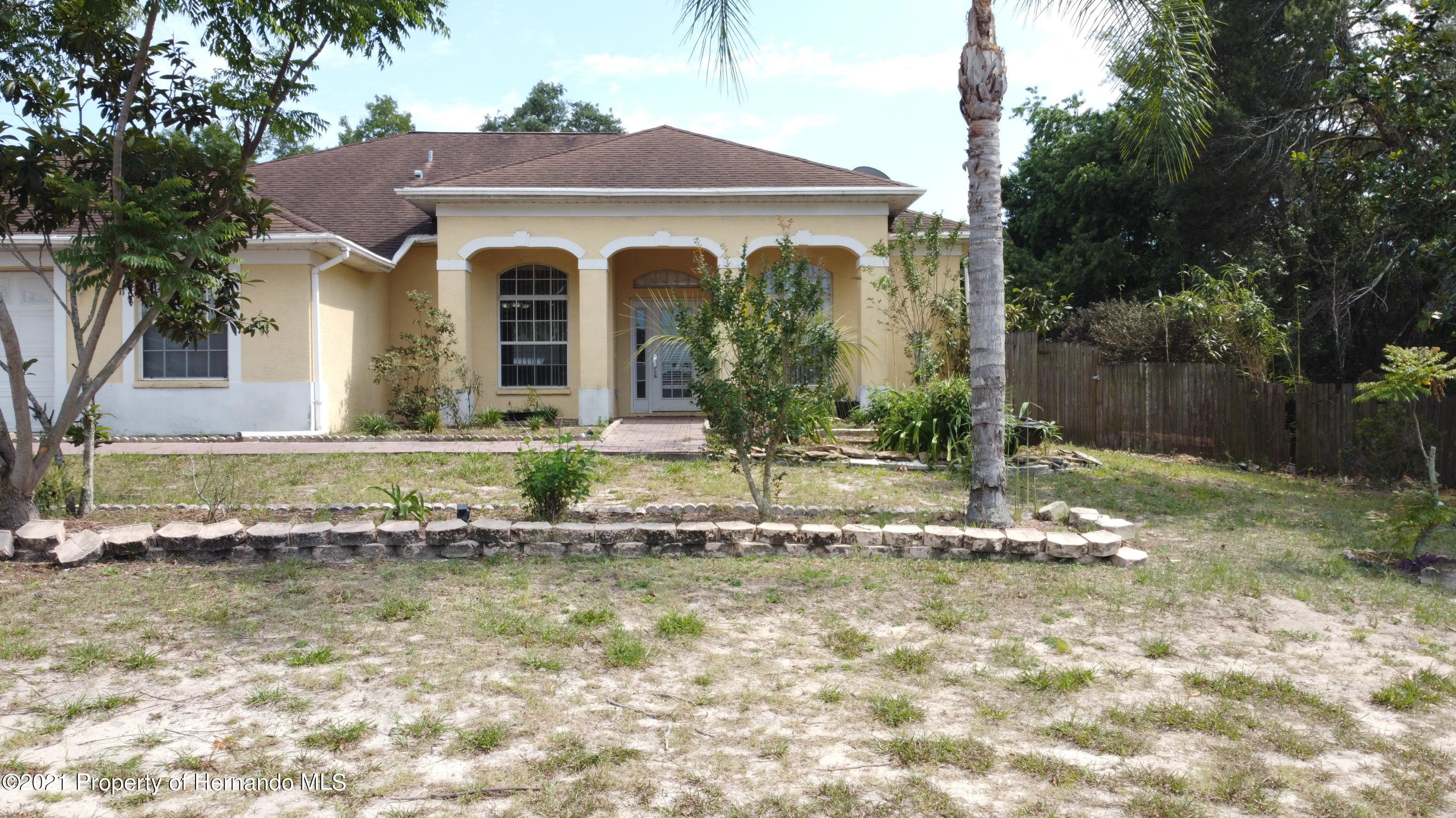 Listing photo id 2 for 3114 Keeport Drive