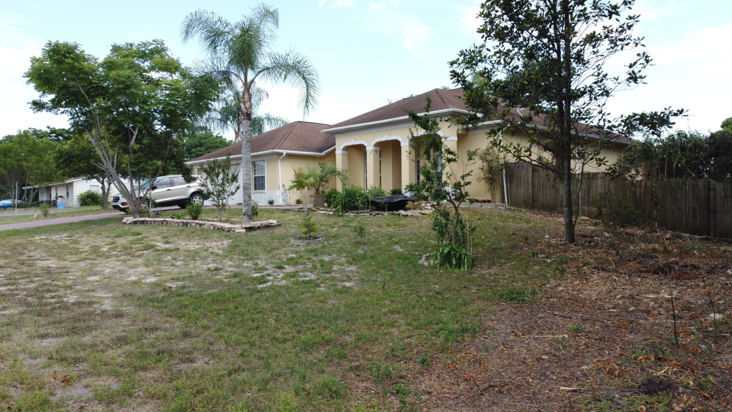 Listing photo id 18 for 3114 Keeport Drive