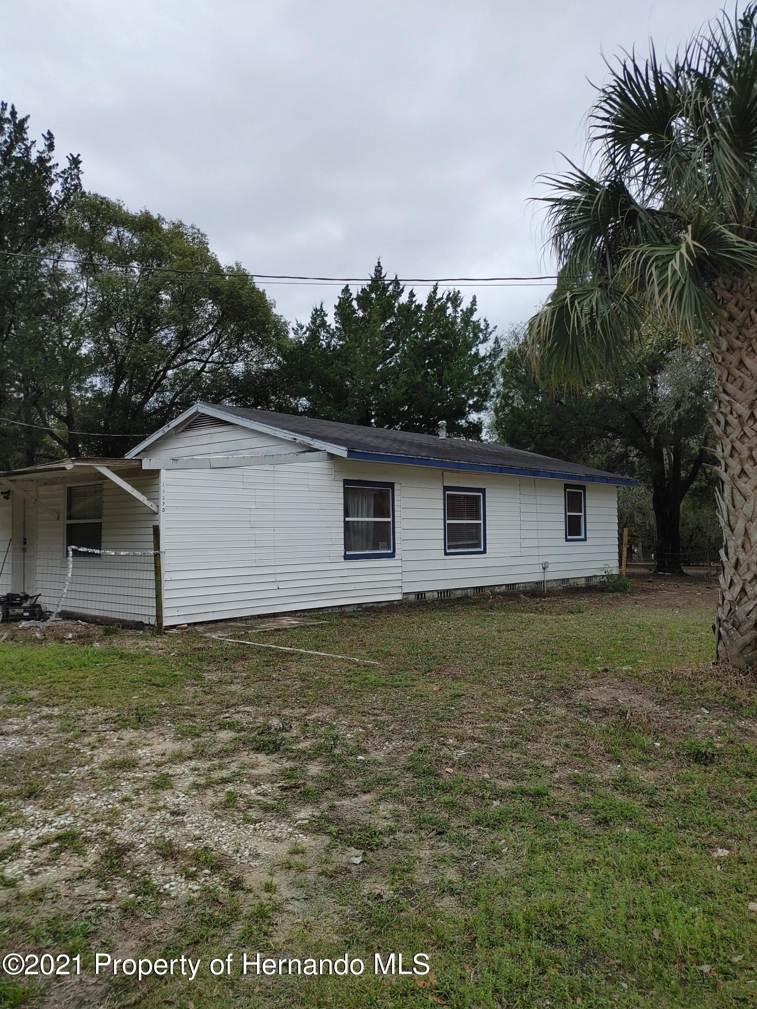 Listing photo id 2 for 16070 Tampa Street
