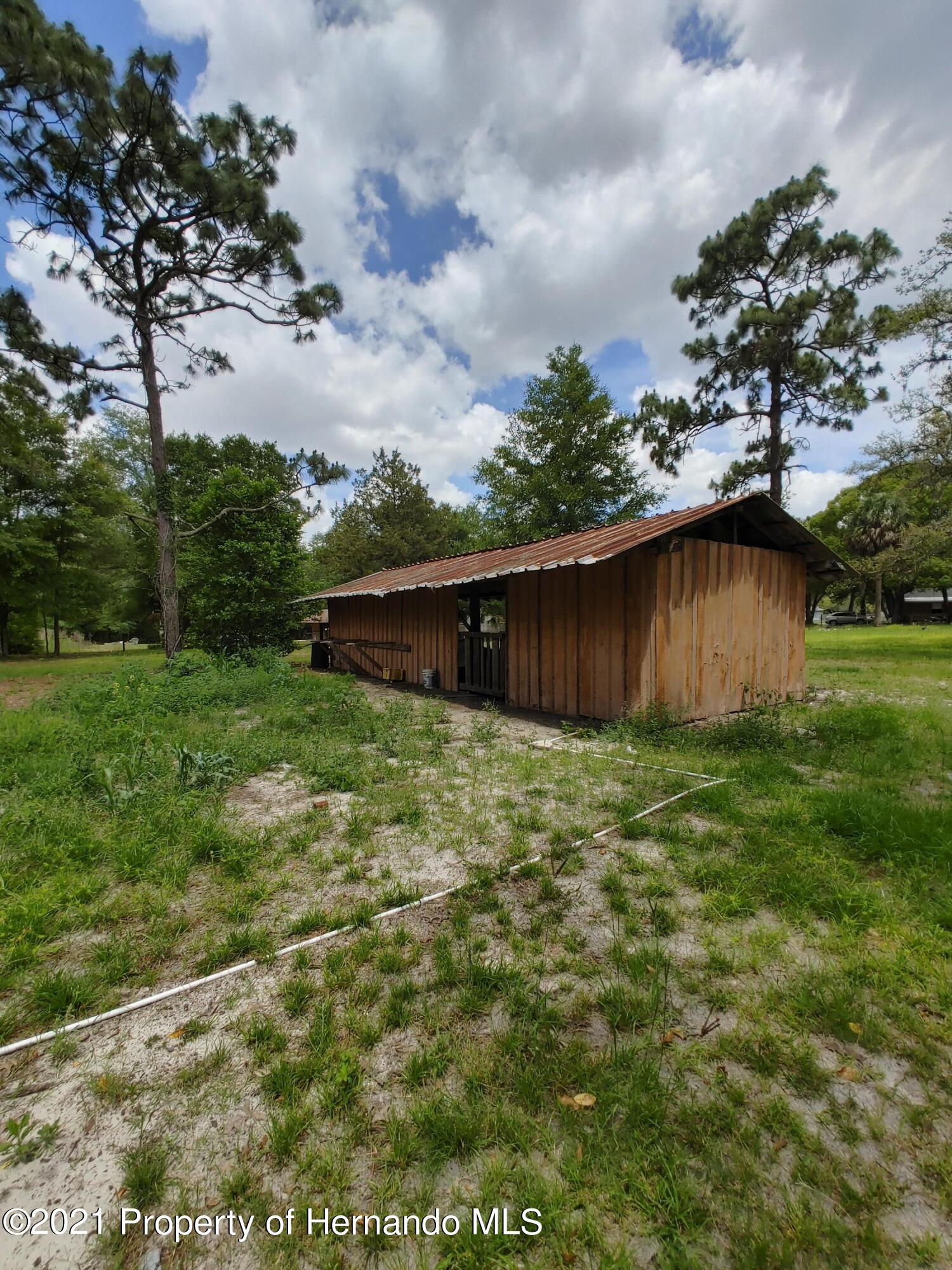 Listing photo id 9 for 16070 Tampa Street