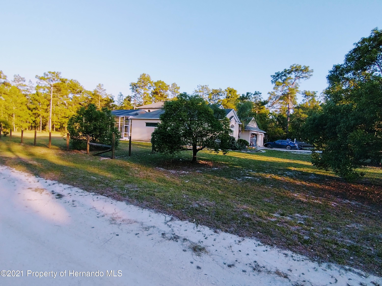 Listing photo id 6 for 0 Florida Wren Avenue