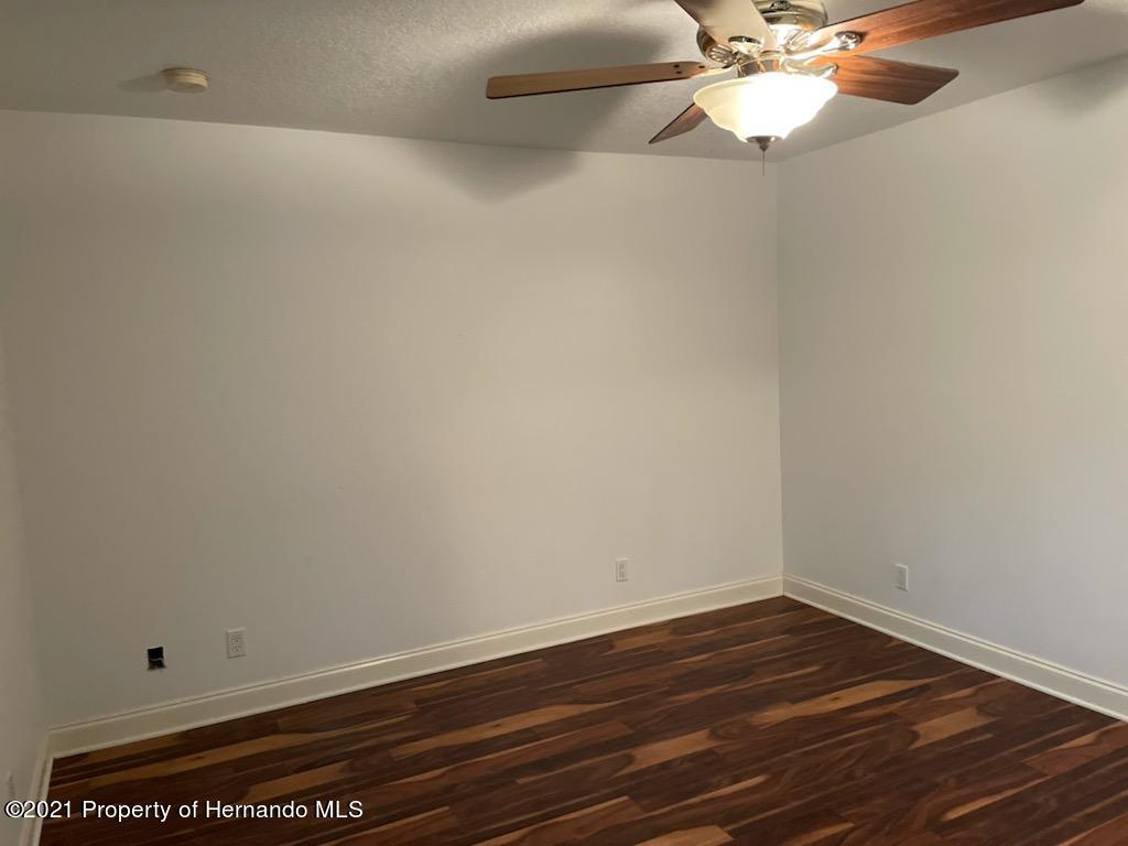 Listing photo id 12 for 7587 N Nature Trail