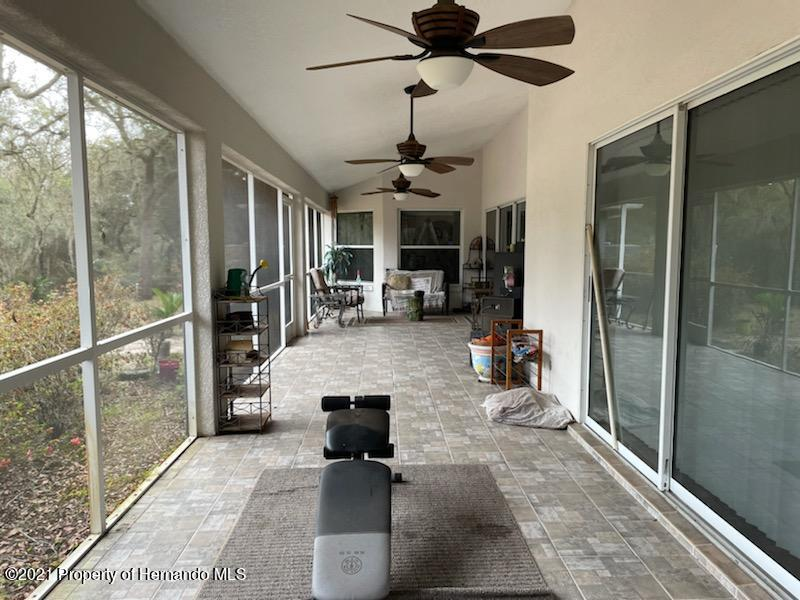 Listing photo id 16 for 7587 N Nature Trail