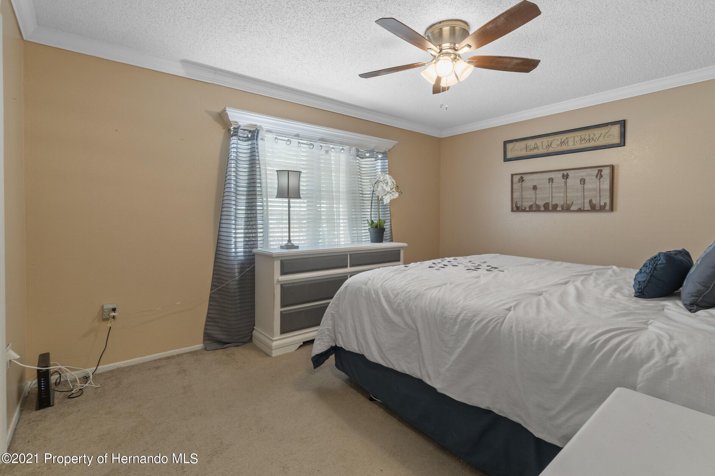 Listing photo id 13 for 5314 Harbinger Road