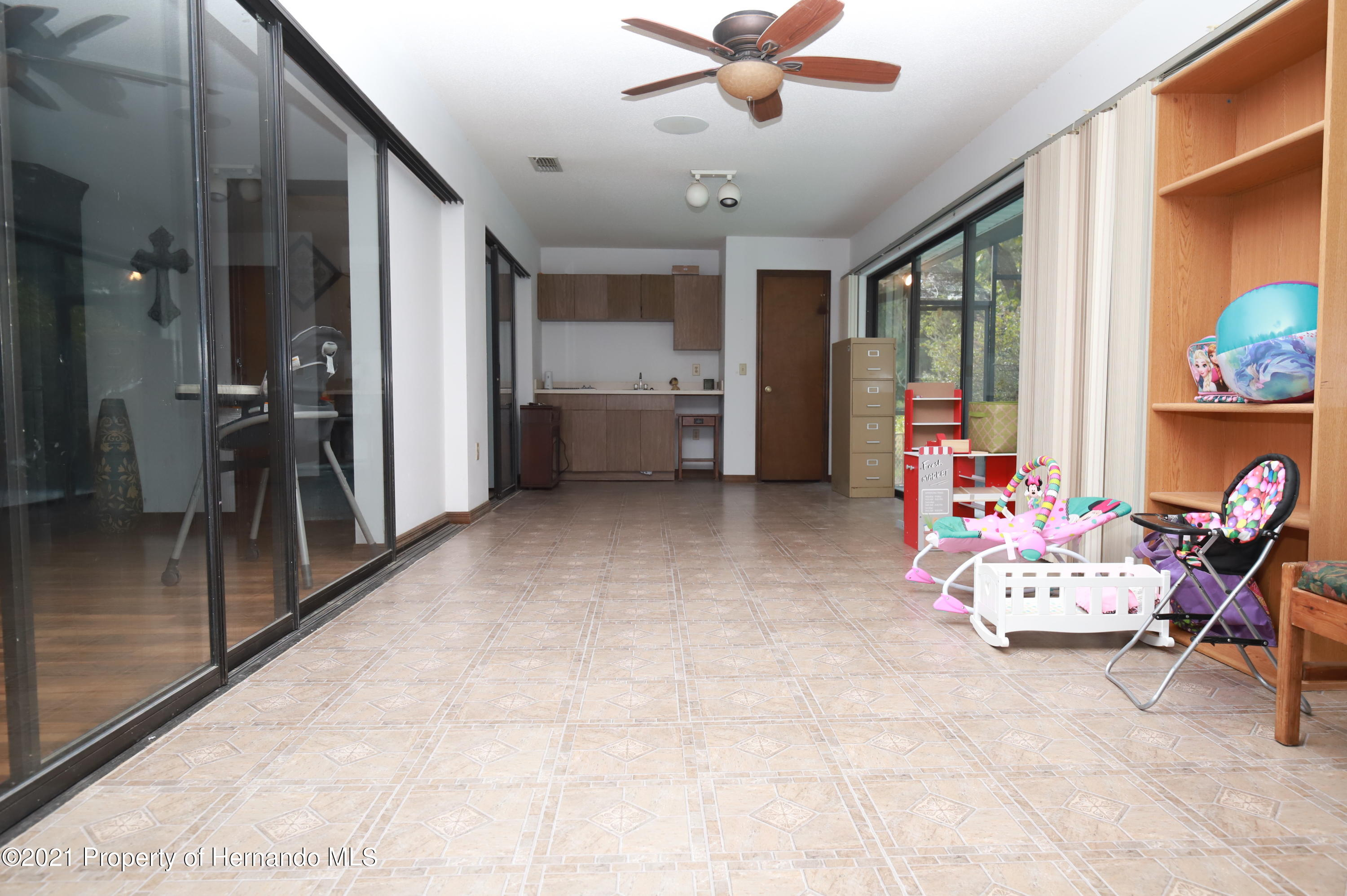 Image 8 For 24038 Martin Drive
