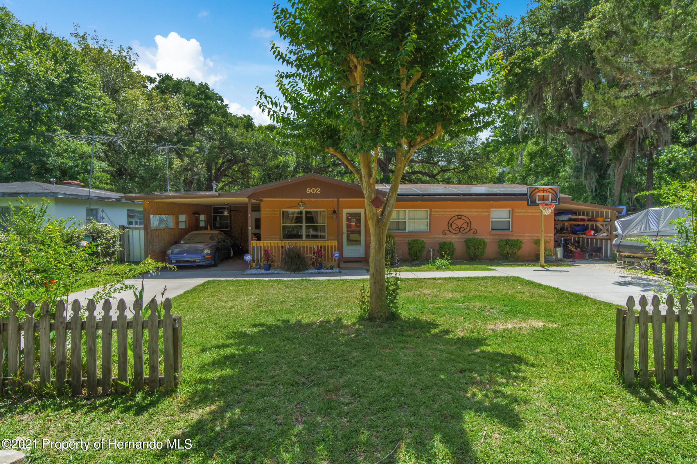 Image 2 For 902 Whiteway Drive