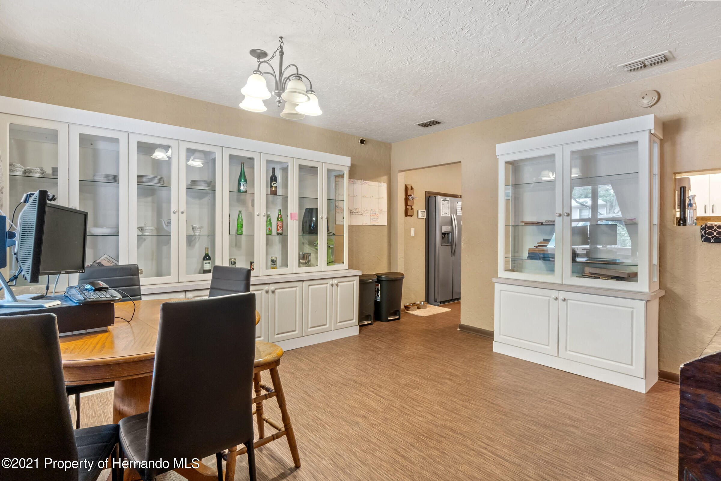 Image 10 For 902 Whiteway Drive