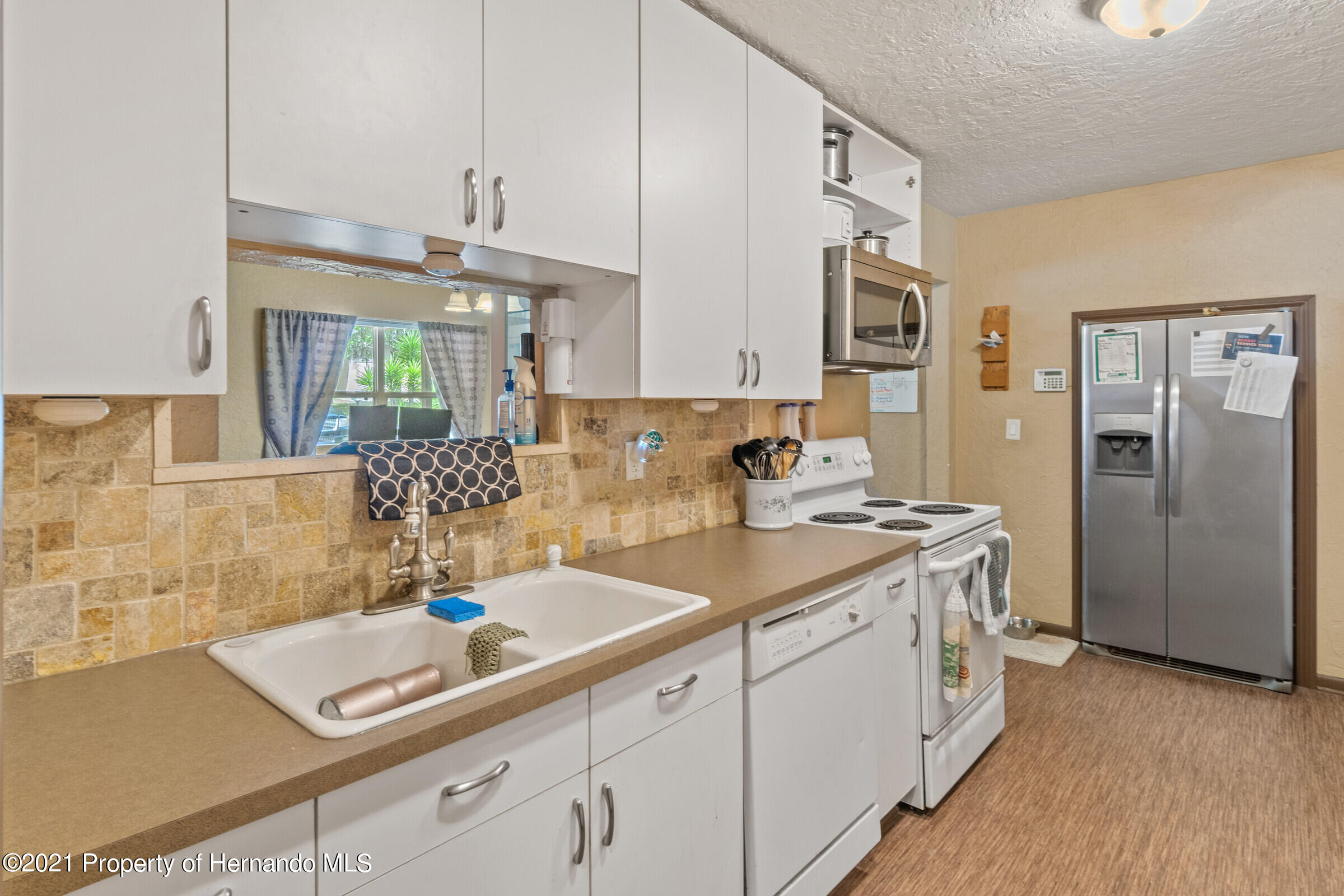 Image 12 For 902 Whiteway Drive