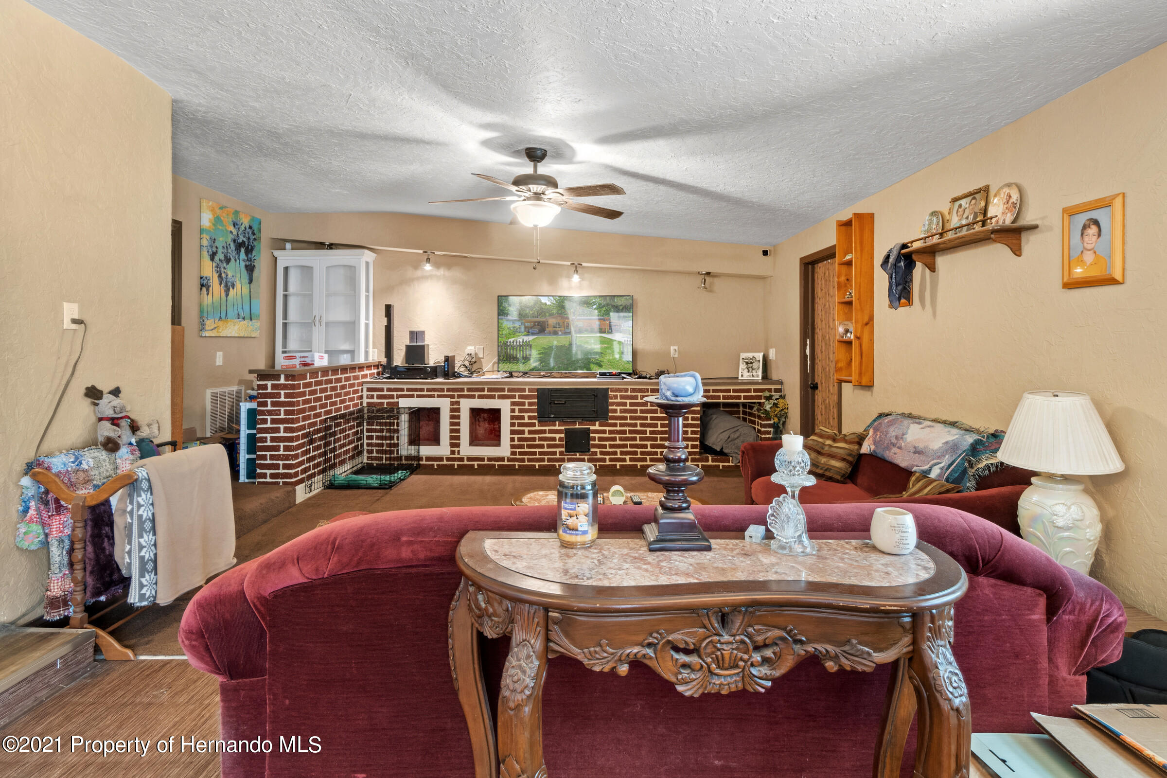 Image 17 For 902 Whiteway Drive
