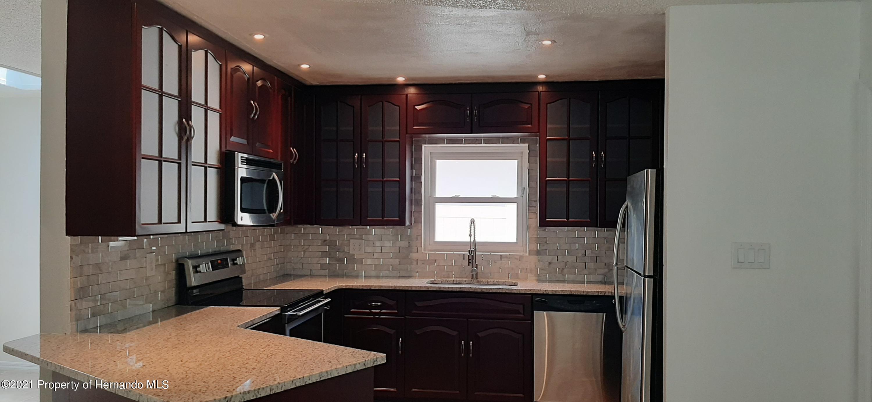 Image 6 For 6077 Alderwood Street