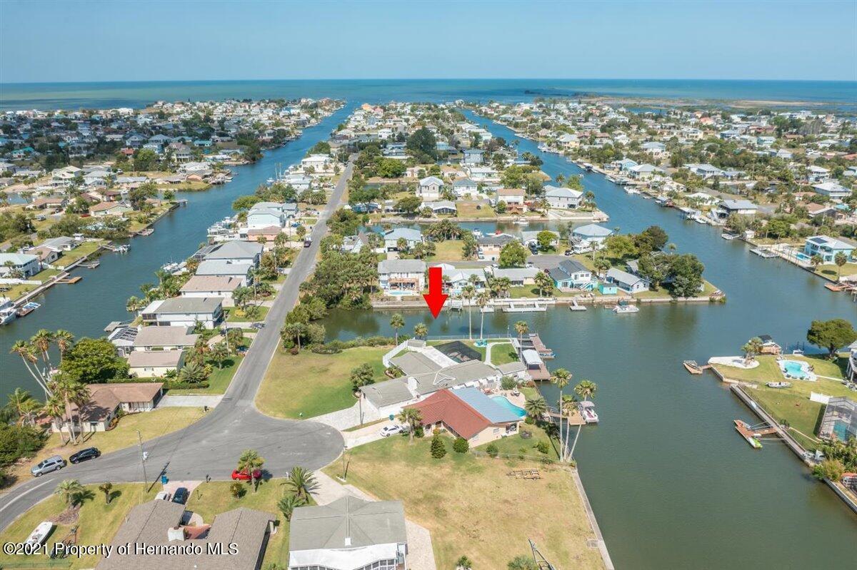 Listing photo id 79 for 4087 Gulf Coast Drive