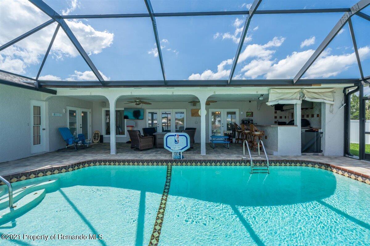 Listing photo id 62 for 4087 Gulf Coast Drive
