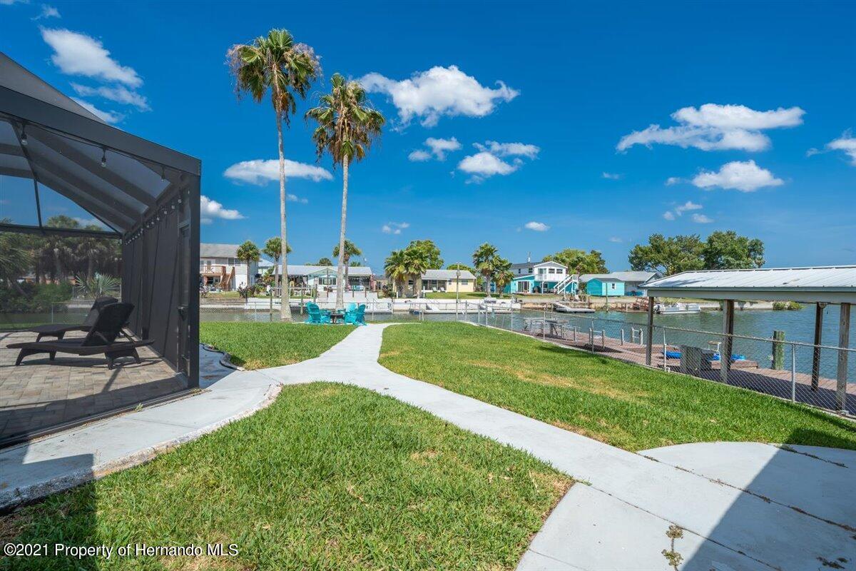 Listing photo id 65 for 4087 Gulf Coast Drive