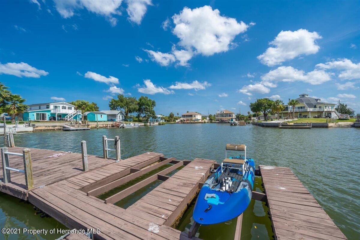 Listing photo id 73 for 4087 Gulf Coast Drive