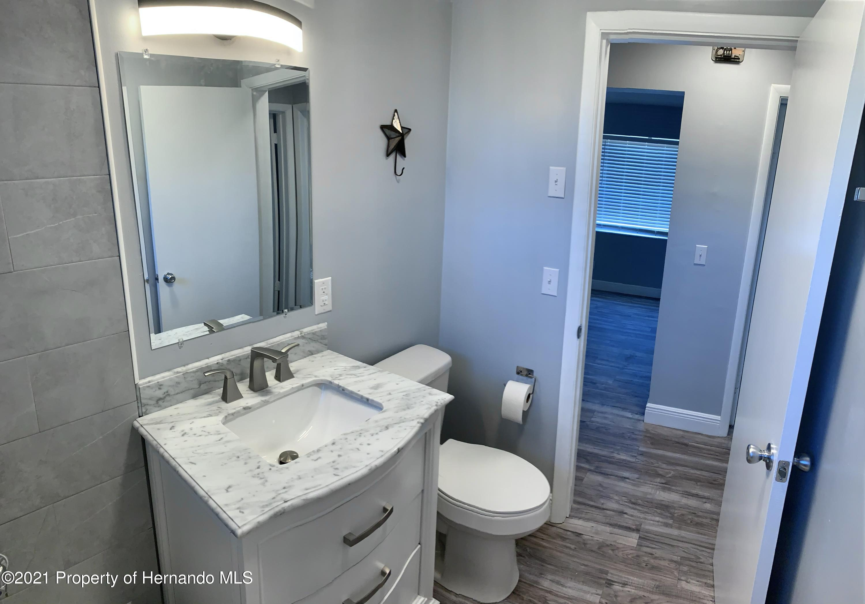 Listing photo id 17 for 6342 Talbot Circle