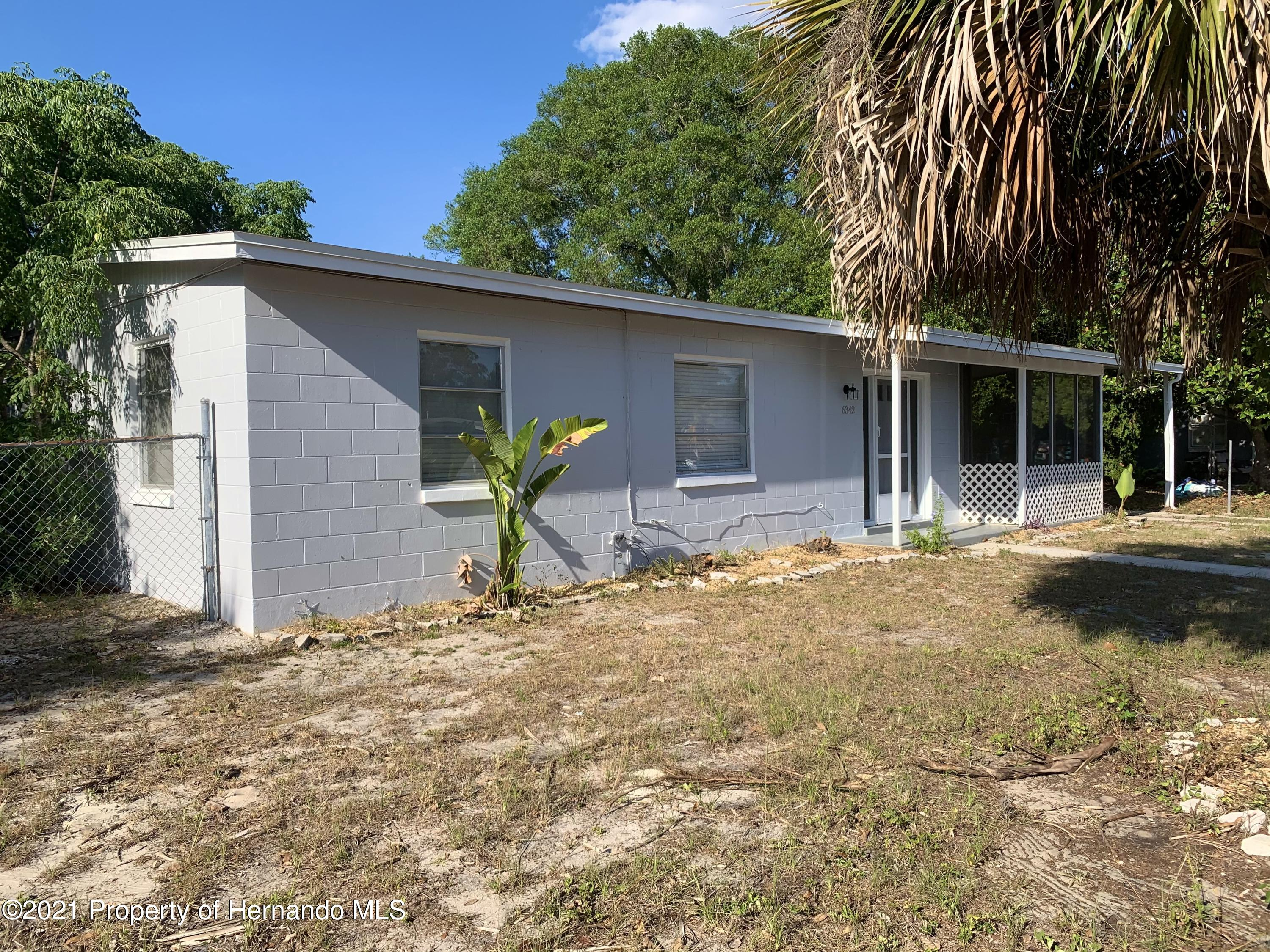 Listing photo id 32 for 6342 Talbot Circle