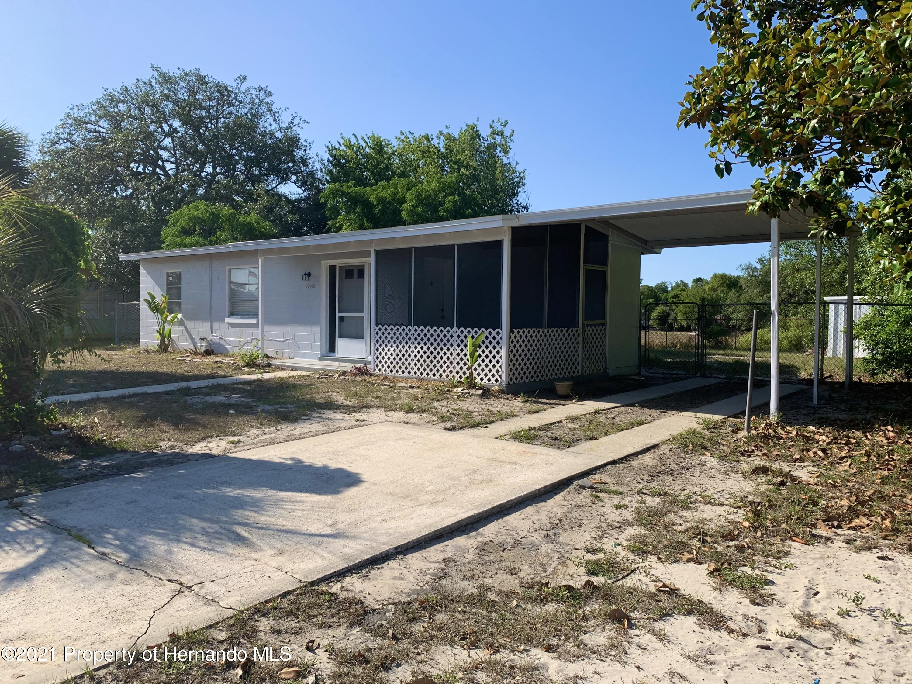 Listing photo id 2 for 6342 Talbot Circle