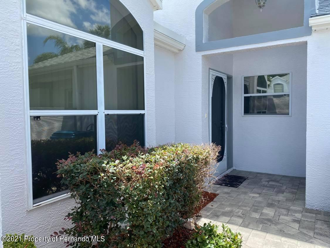 Listing photo id 4 for 1084 Vista Fina Court