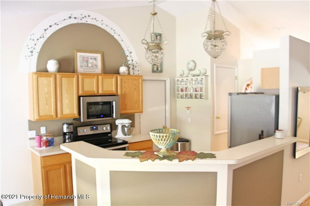 Listing photo id 3 for 165 Greenbriar Place