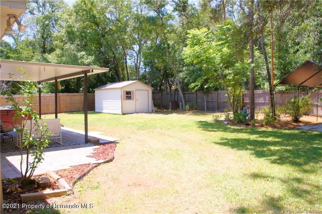 Listing photo id 22 for 165 Greenbriar Place