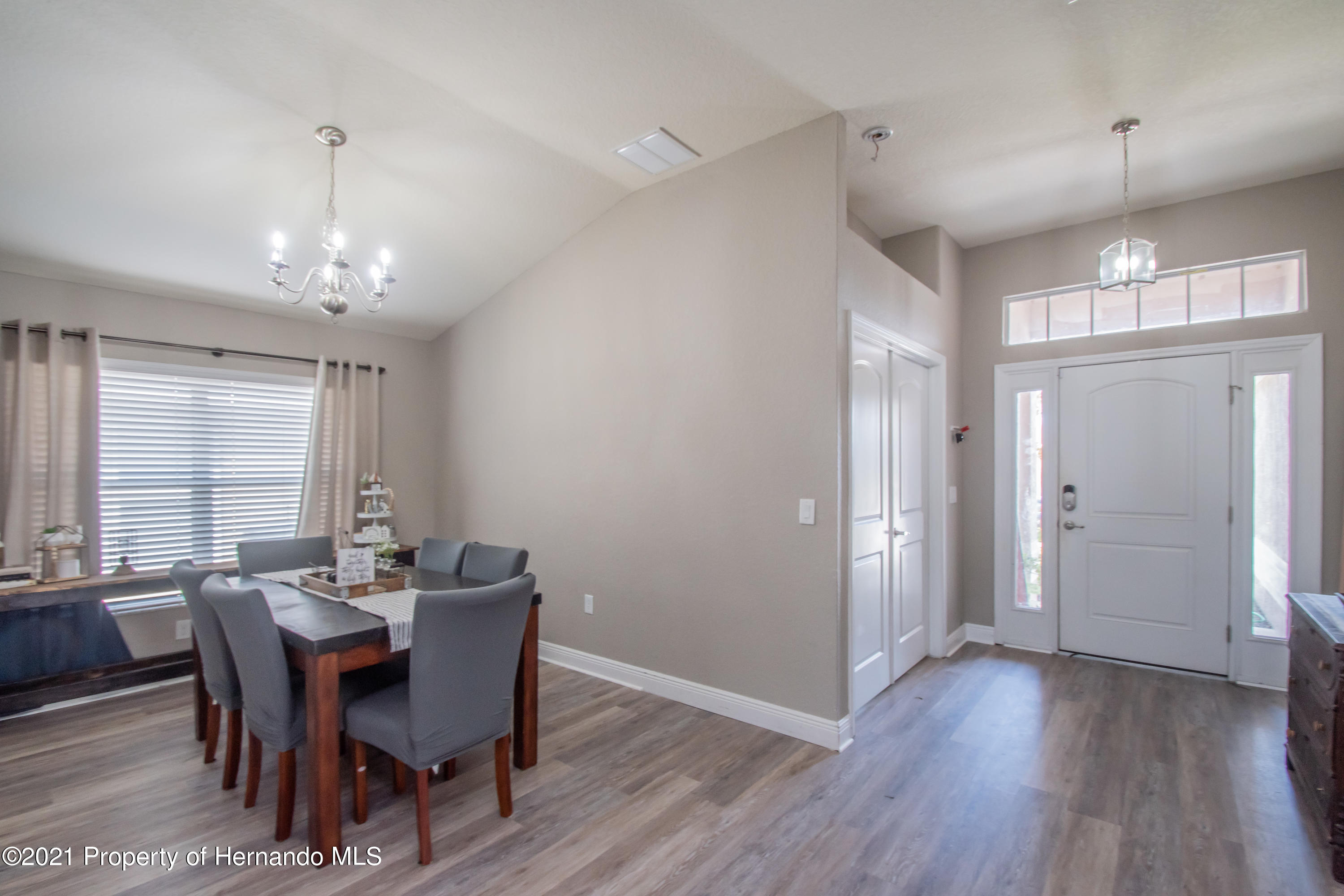 Listing photo id 8 for 31107 Water Lily Drive